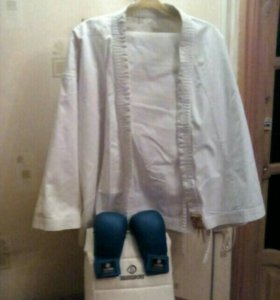 Кимано для Каратэ + защита на грудь + перчатки