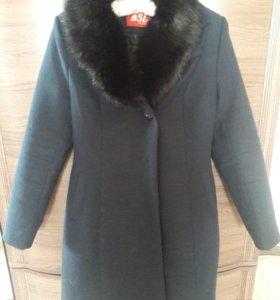 Пальто 62% шерсти