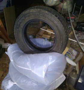 Зимние шины Danlop Grandtek 215/65 R16