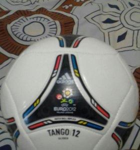 Мяч футбольный Adidas euro 12