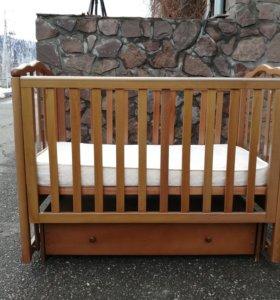 Кровать детская с маятником бу