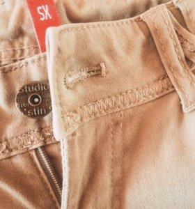 Зауженные джинсы ostin
