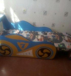 Кровать детская машина