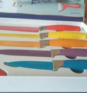 Набор из ножей 5 шт.+ чистка для овощей .