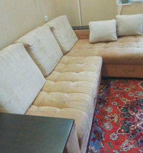 Угловой двухспальный диван