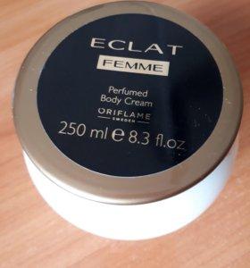Парфюмированный крем для тела Eclat Femme
