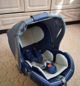 Автокресло-переноска Happy Baby Gelios V2