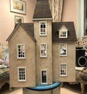 Дизайнерский кукольный дом «Английский коттедж»