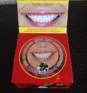 Травяная зубная паста из мангустина и гвоздики