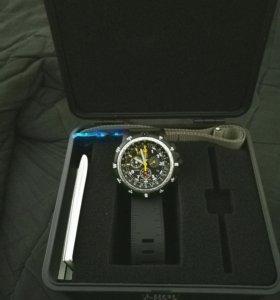 Часы Luminox 8842 Recon