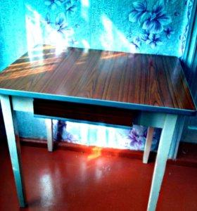 Продам стол б/у