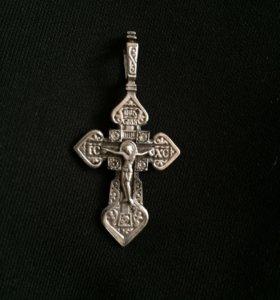 Крестик серебряный с феонитами.