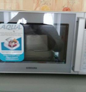 Микроволновая печь (абсолютно новая)