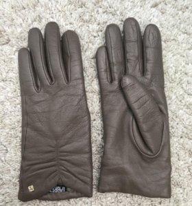Перчатки кожаные Fabretti сенсорные из кожи