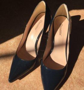Туфли лаковые 39