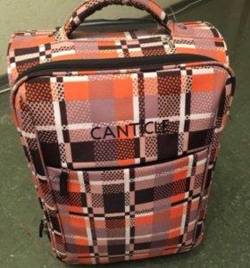 новый чемодан с чехлом