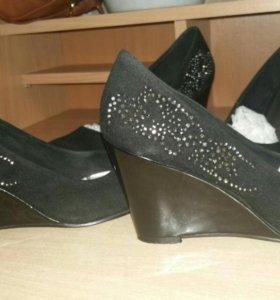 Туфли 38.5 размер и 36