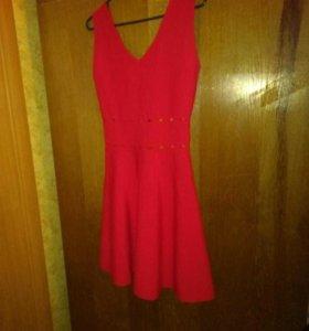 Продам платье одето один раз при покупке.