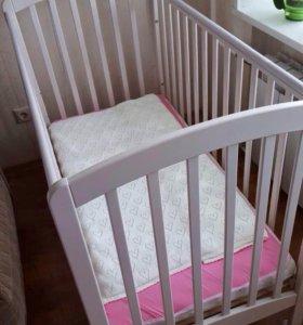 Кроватка как новая (возможен торг)