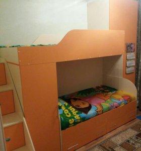Продаю 2-уровневую детскую мебель