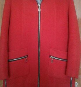 Пальто демисезонное 48
