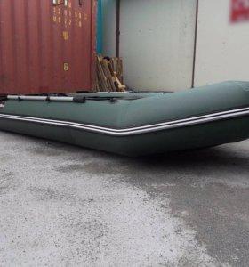 Продам лодку Хантер 320ЛК