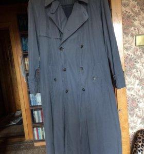 Плащ-пальто,отстегивающаяся утеплённая подкладка