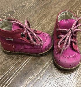 Весенняя обувь на девочку/ первые шаги