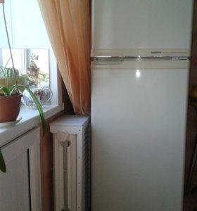 Холодильник GoldStar GR-222 BDS