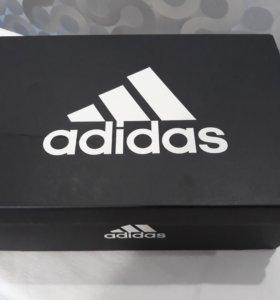 Кросовки Adidas ( новые)