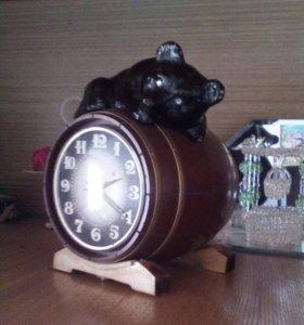Часы настольные Медведь