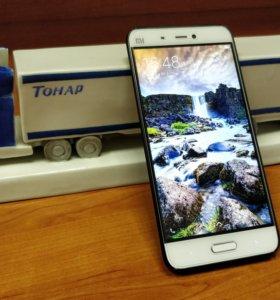 Смартфон Xiaomi Mi5 64GB (состояние идеальное)