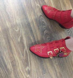 Ботинки новые 37-38