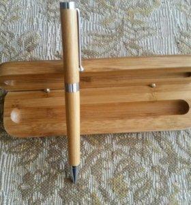 Ручка подарочная в деревянном футляре