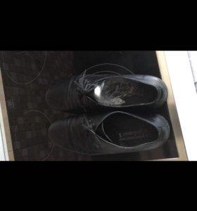 Туфли мужские. Кожа.
