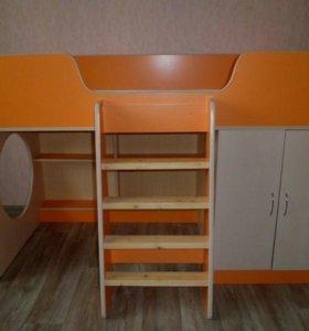 Продам кровать-чердак с матрасом и шкафом
