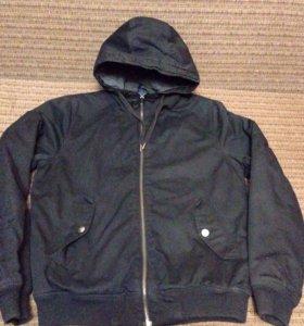 Продам фирменную куртку оригинал 50 размер
