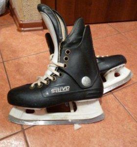 Детские хоккейные коньки б/у 39 размер