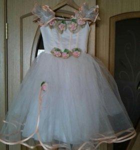 Платье на 6-8 лет. Торг