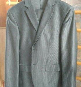 мужской костюм 48р