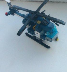 Вертолёт из LEGO.