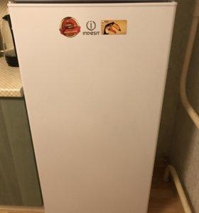 Холодильник Indesit однокамерный