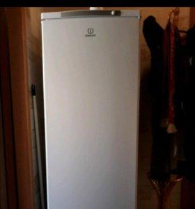 Морозильная камера indesit SFR 167