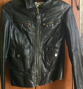 Куртка на девушек