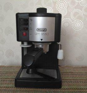 Кофеварка DeLonghi рожкового типа