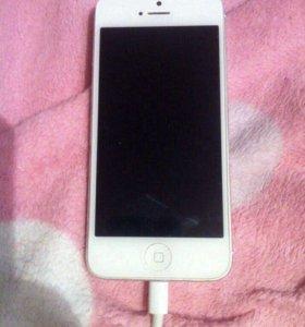 IPHONE 5(32 ГБ), с зарядкой