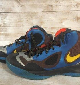 Продам кроссовки мужские Nike