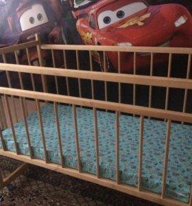 Продам детскую кроватку с матрасом! Состояние ново