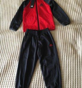 Новый Спортивный костюм adidas р.110