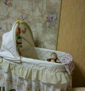 Детская кроватка колыбель на колёсиках